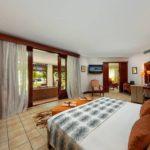 Habitación de Dinarobin Beachcomber, Mauricio